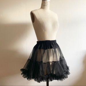 Tulle ruffle skirt (Halloween)
